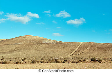 volcánico, colinas, y azul, cielo