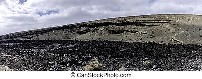Volcanic wall - Lago Verde / El Golfo