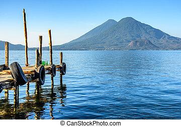 volcans, jumeau, lac, tôt, guatemala, atitlan, matin