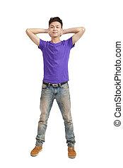 volle länge, von, stilvoll, junger mann, mit, lila, t-shirt