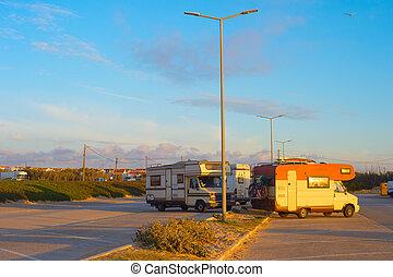 vontatott lakókocsi, autó, várakozás, öreg, furgon