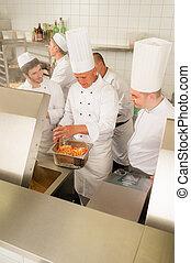 voorbereiden, voedingsmiddelen, kok, cook, professioneel, keuken