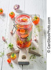 voorbereiding, voor, fris, canned, rode tomaten, in, zomer