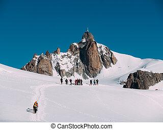 voorgrond, groep, midi, peak;, bergbeklimmers, aiguille, du