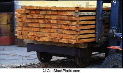 vorkheftruck, op het werk, hout