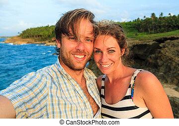 voyager, couple, selfie