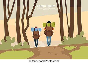 voyageur, couple, randonneurs, à, rucksack, vue postérieure,...