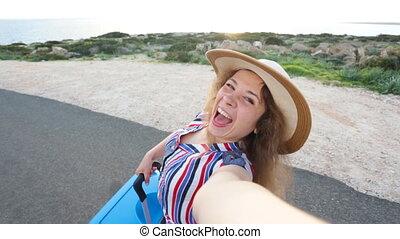 voyageur, prendre, femme, selfie, jeune