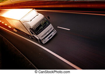 vrachtwagen, op, snelweg