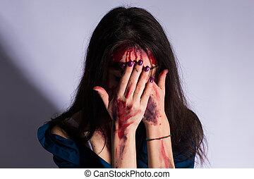 vrai, concept, espace, gens., plancher, sanglant, triste, sombre, assaut, femme, assied, battu, victime, copie, sexuel, colza, tunnel.
