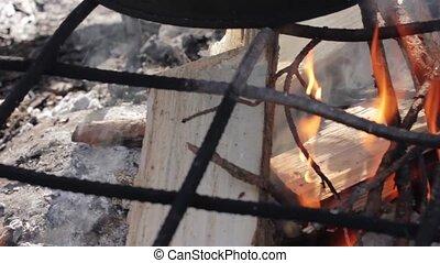 vrai, flammes, journaux bord, brûlé, brûler, fire., frire pain, viande