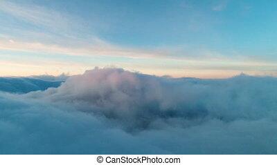 vrai, vol, sur, nuages, crépuscule