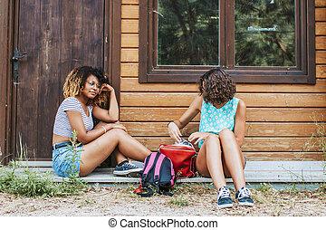 vrienden, reizen, en, kamperen, in, de zomervakantie