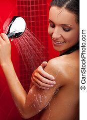 vrolijk, beauty, in, shower., mooi, jonge vrouw , boeiend, douche, en, het glimlachen