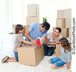 vrolijk, gezin, bewegend huis