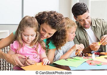 vrolijk, gezin, doen, kunstnijjverheid, samen, aan tafel
