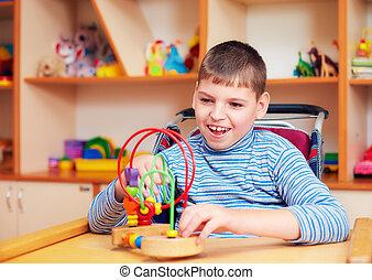 vrolijk, jongen, met, onbekwaamheid, op, rehabilitatie,...