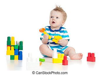 vrolijk, kind jongen, spelend, met, gebouw stel, op, witte , back