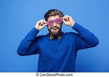 vrolijk, plezier, zonnebrillen, hebben, man