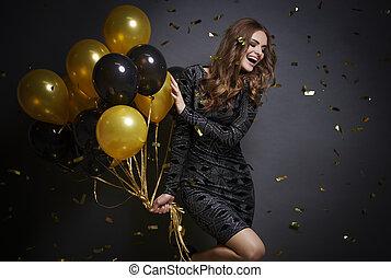 vrolijk, vrouw, ballons, lachen