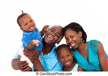 vrolijke , afrikaan, gezin, vrijstaand, op wit