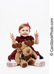 vrolijke , baby meisje, met, rendier, kerstmis, speelbal