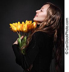 vrolijke , blonde , vrouw, met, tulpen