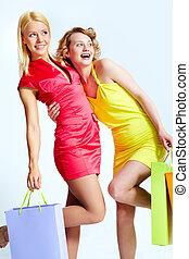 vrolijke , consumenten