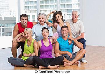 vrolijke , fitness, studio, sportkleding, mensen