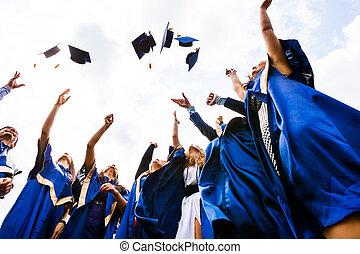 vrolijke , groep, jonge, afgestudeerdeen