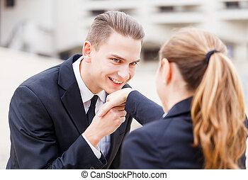 vrolijke , jonge, zakenlui