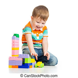 vrolijke , kind jongen, spelend, met, gebouw stel, op, witte...