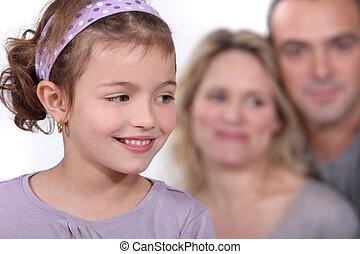 vrolijke , klein meisje