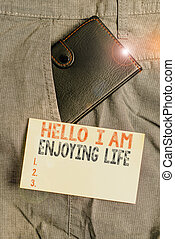 vrolijke , life., hallo, voorkant, showcasing, het tonen, eenvoudig, kleine, foto, genieten, zakelijk, zak, aantekening, spullen, ontspannen, levensstijl, paper., aantekening, schrijvende , trouser, het genieten van, portemonaie, binnen