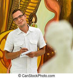 vrolijke , man, aantekeningen nemd, in, een, kunstgalerie