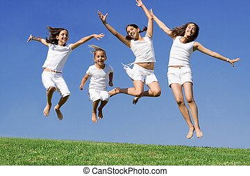 vrolijke , meiden, springt, op, zomer kamp