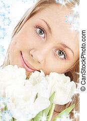 vrolijke , meisje, met, witte , tulpen