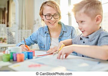 vrolijke , moeder en zoon, crafting, samen