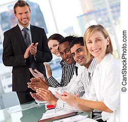 vrolijke , na, presentatie, handel team