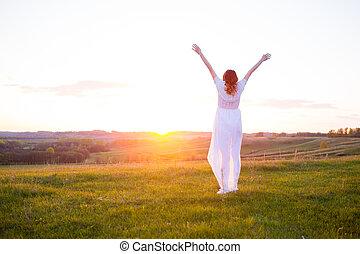 vrolijke , nature., het genieten van, kosteloos, vrouw