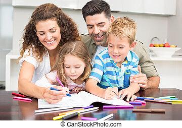vrolijke , ouders, het verkleuren, met, hun, kinderen, aan tafel