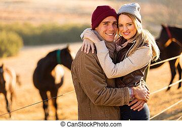 vrolijke , paardboerderij, paar, jonge