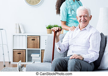 vrolijke , senior, gehandicapte man, en, caregiver