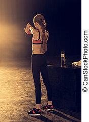vrouw, atletisch,  Stretching,  back, jonge, sportkleding, aanzicht