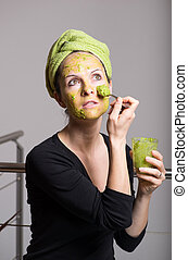 vrouw, avocado, jonge, gezichts