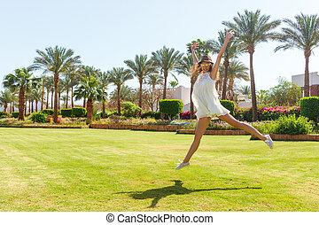 vrouw, beauty, vacation., vrijheid, op, hemel, kosteloos, genieting, concept., zon, meisje, het genieten van, nature., vrolijke