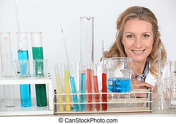 vrouw, blonde , laboratorium, onderzoek