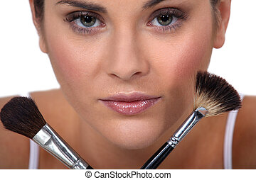 vrouw, borstels, vasthouden, haar, make-up