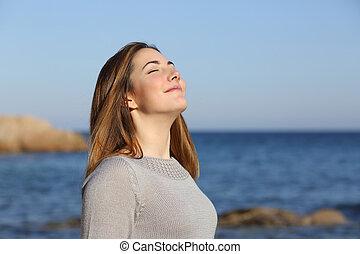 vrouw, diep, lucht, ademhaling, fris, strand, vrolijke