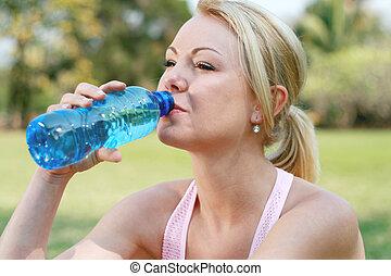 vrouw, drinkwater